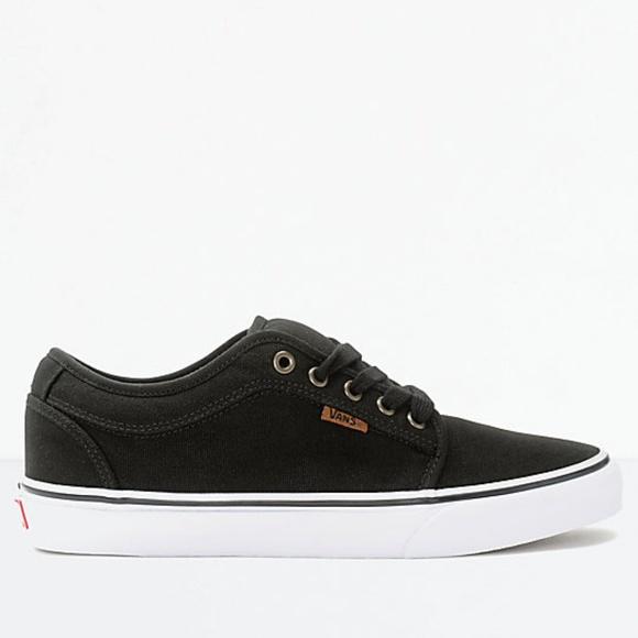 73fbfae2d3eeb2 Vans Chukka Low Canvas Black White Skate Shoes. M 5b9aead8aa571946faa695a1